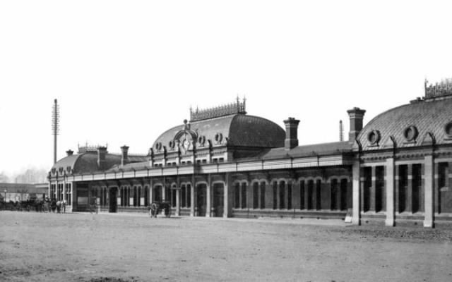 Slough Station 1884