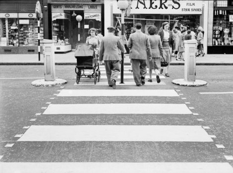 Slough-High-Street-First-Zebra-Crossing-1951-2