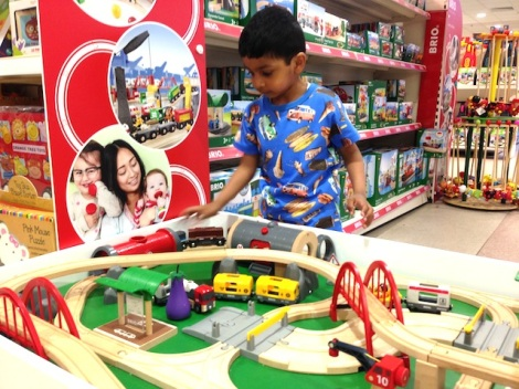 Daniel-Windsor-Brio-Train-Toy-Department