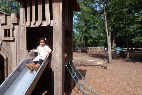black_park_slough_berkshire_buckinghamshire_toddler-playground-2