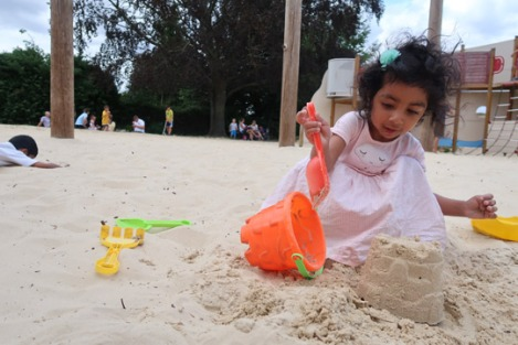 slough-seaside-clewer-memorial-sand-playground
