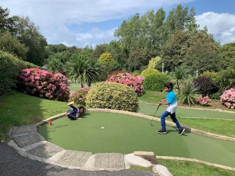 newquay-crazy-golf