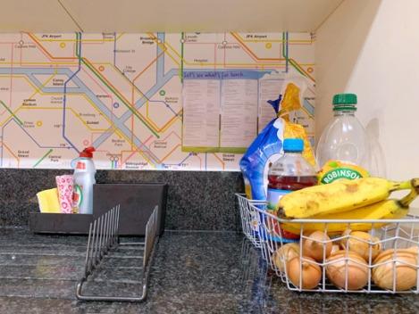 Pink-Kitchen-Subway-Tube-Wallpaper-4