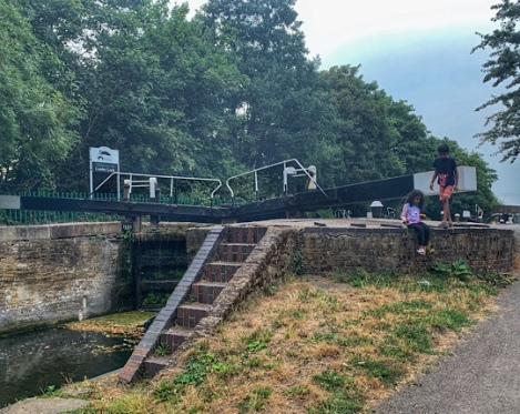 Cowley Lock and Canal Walk